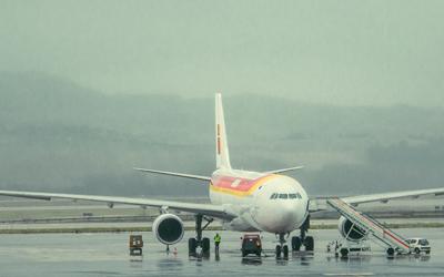 ¿Sabes qué hacer si te cancelan o pierdes un vuelo?