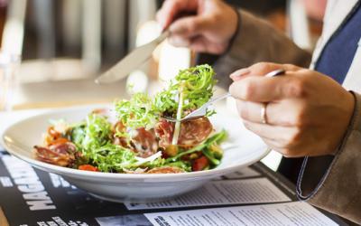 Cómo deducir el IVA de los restaurantes